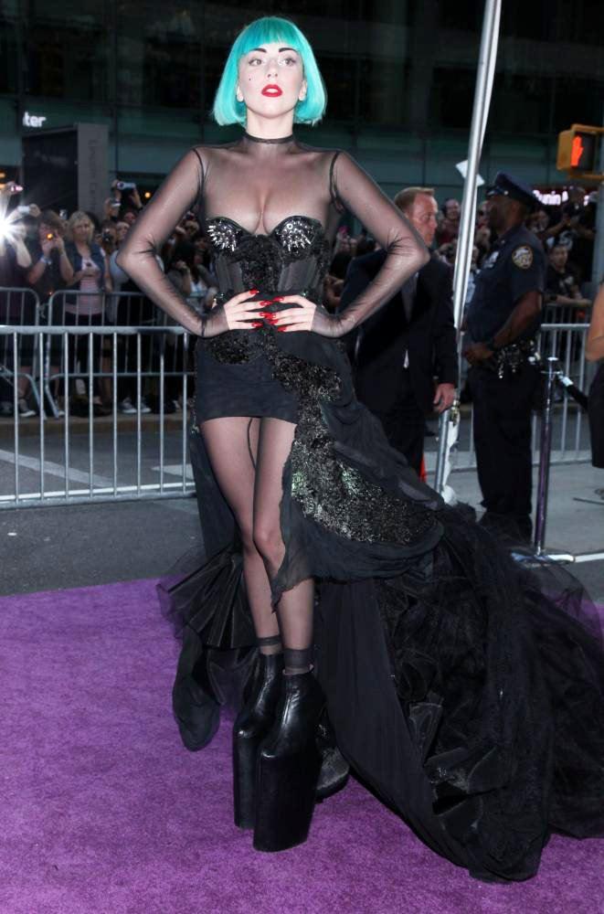 Lady Gaga in 24-inch Heels!!!